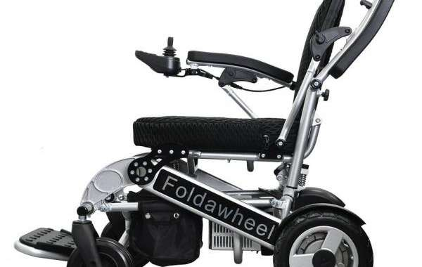 What is a power wheelchair and what are its uses?