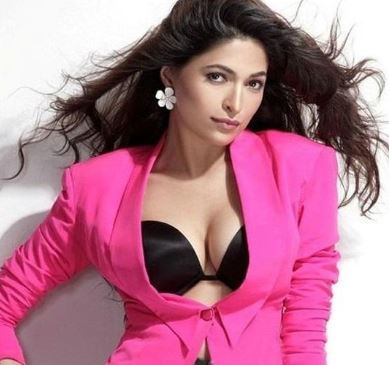Parvathy Omanakuttan Biography, Actresses Bio, Wiki, Photos and Net Worth - Online Information