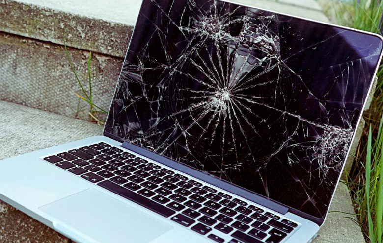 How To Deal With a Broken Screen On Your Laptop? - Gadset Mobile Repair