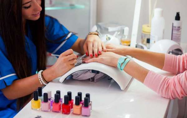 The Incredible Benefits of a Nail Care Service