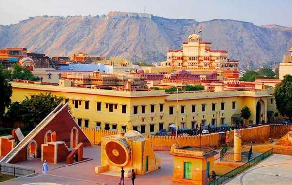 Live The Diverse And Deep-Rooted Heritage Of Jaipur And Agra