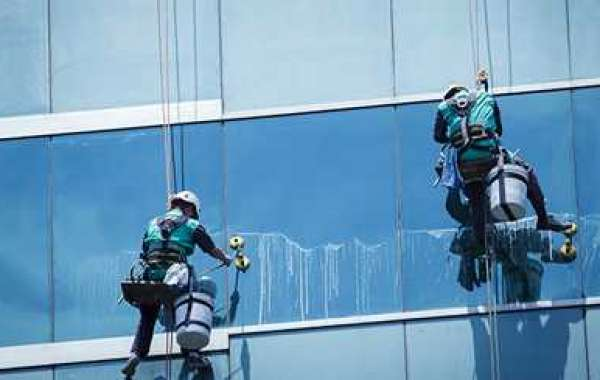 Things To Consider While Selecting Commercial Window Cleaning London