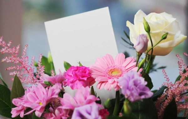 Floral Gifts that You Can Send Your Favourite Aunt on Christmas