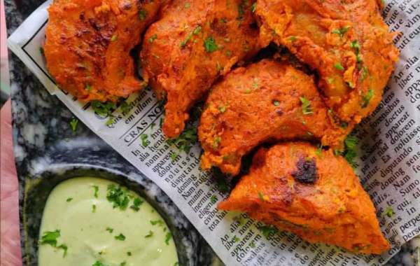 Where to eat best momos in Delhi?