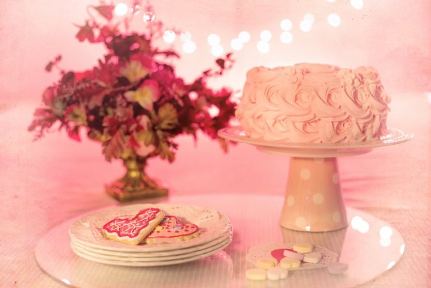 Top 8 Romantic Birthday Cake Ideas for Boyfriend Article - ArticleTed -  News and Articles