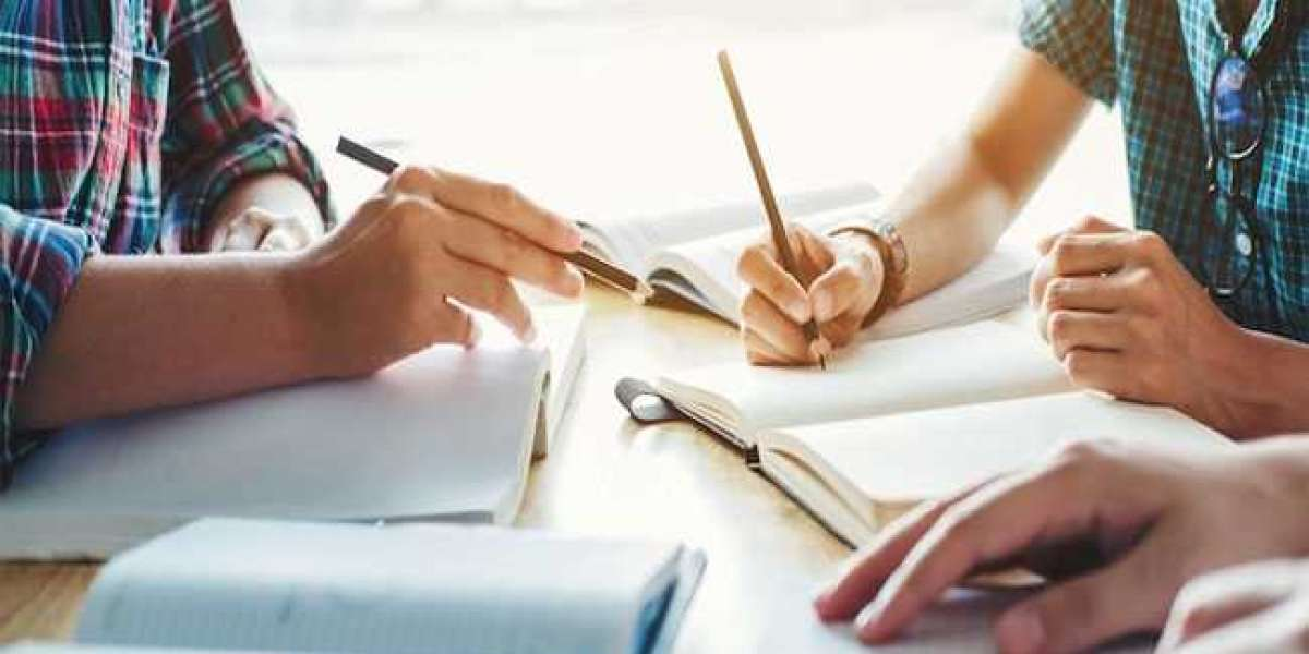 Find Professional Admission Essay Writing Services