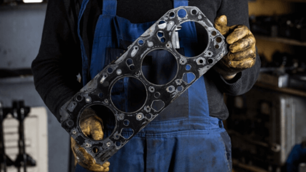 What are the symptoms of a Blown Head Gasket? What is it? - Head Gasket Sealer