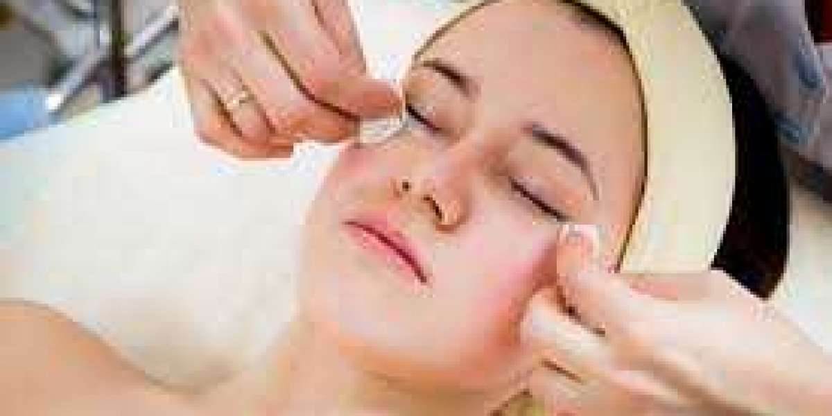 Best beautician course perth: How to Choose the Right One