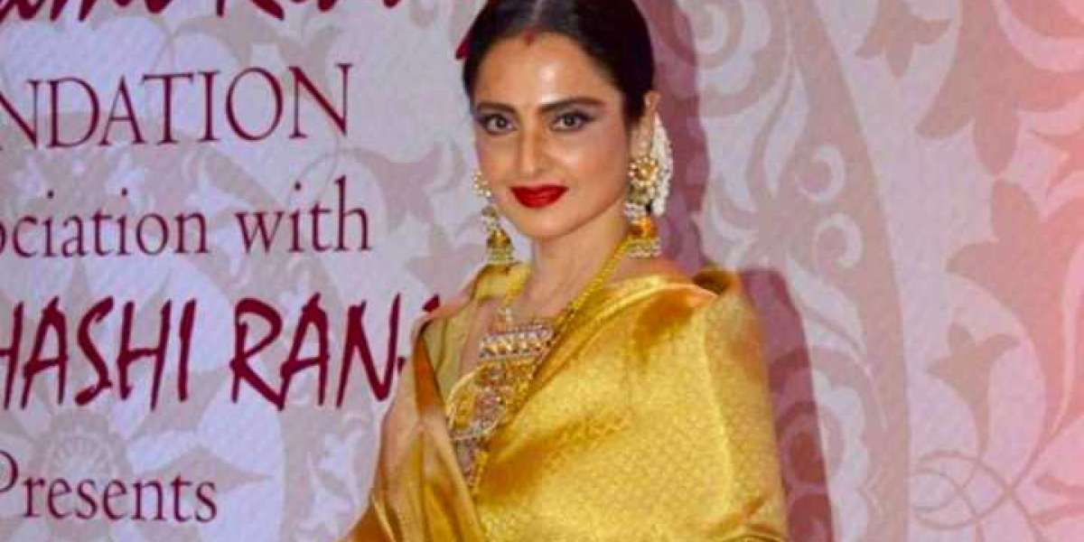 Actress Rekha Bungalow Sealed By BMC After Security Guard Tests Positive
