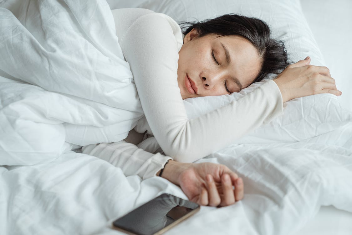 Experts' Tips on buying the best mattress for sleeping disorders - Web Info Vision