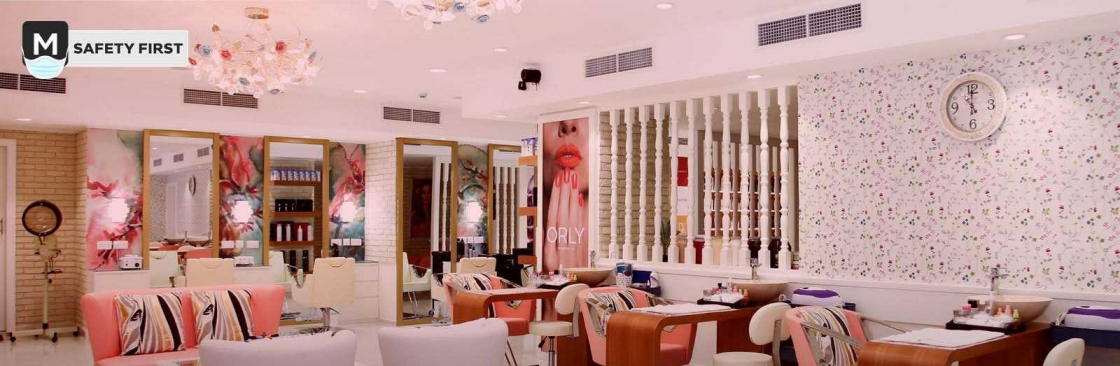 Mirrors Beauty Lounge Cover Image