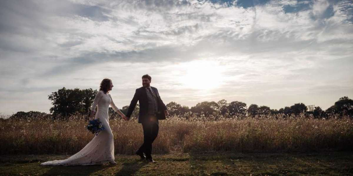 Here's How You Can Find the Right Wedding Photographer in Colchester