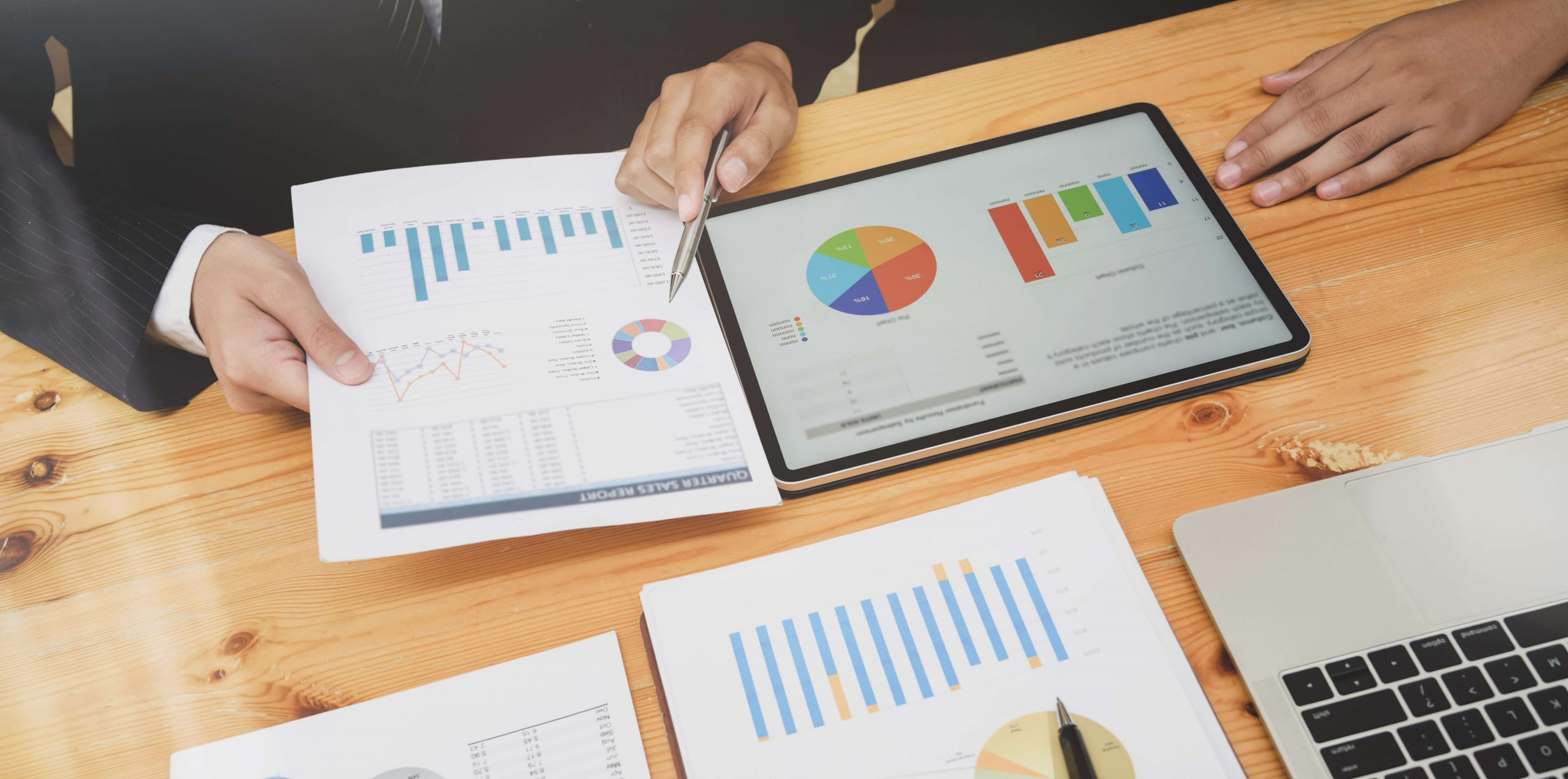 8 Business Growth Strategies To Grow Big - Large & Small Business