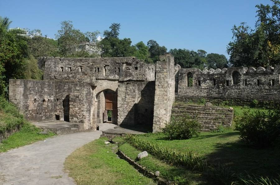 Kangra Fort of Himachal Pradesh - How to Reach - Time - Where to Stay
