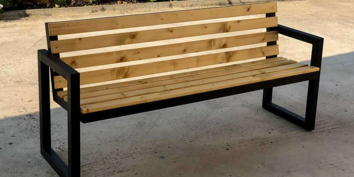 Outdoor Benches To Enhance Your Yard