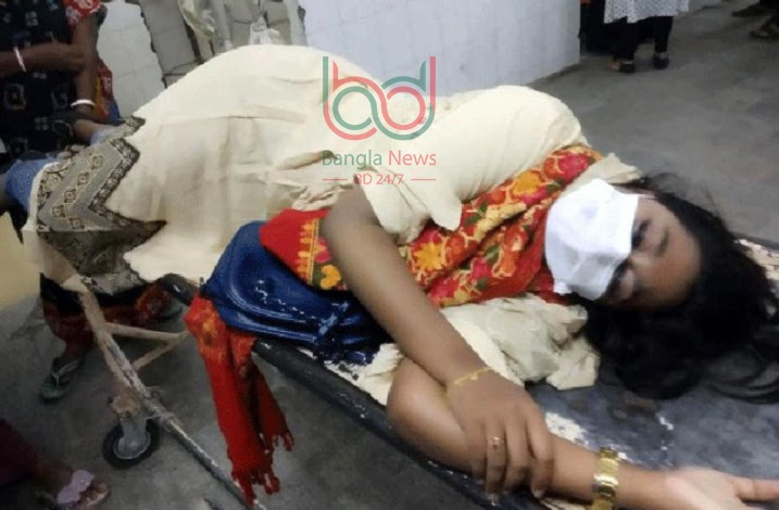 Thirteen students of Shah Makhdum Medical College were injured in the attack.