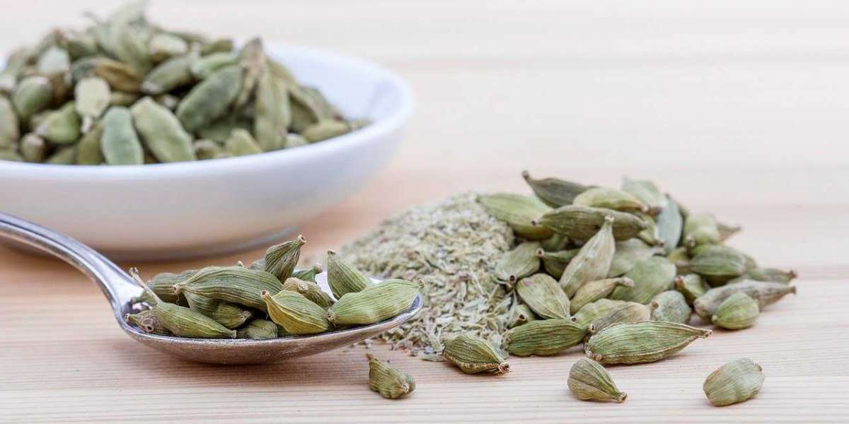 17 Unique Things About Cardamom Pods / Elaichi