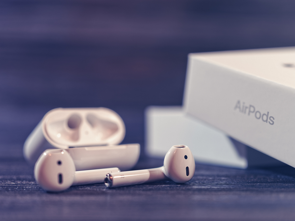 APPLE AIRPODS PRO - The Most Classy Earbuds