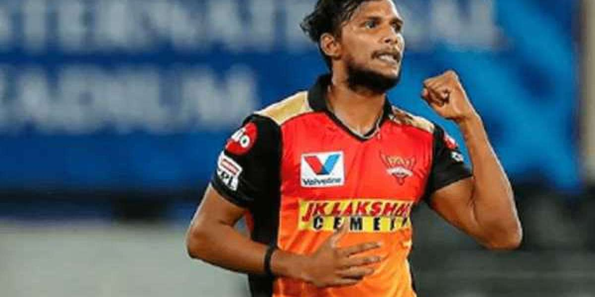 Why wasn't T Natarajan included in SRH's playing XI against MI on Saturday?