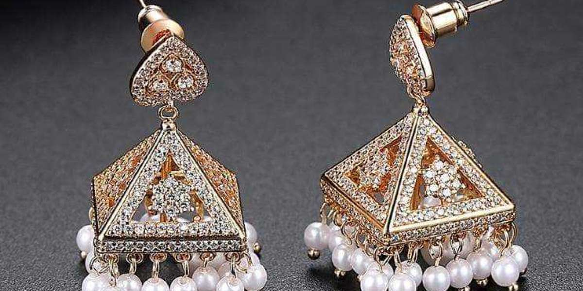 From Pearl Earrings in Gold to Silver, Blingvine Offers you All