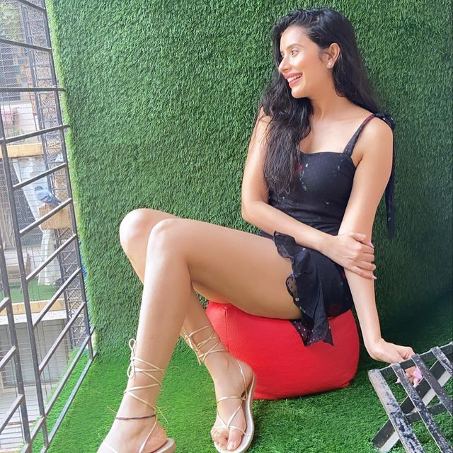 All About Charu Asopa   Relation   DOB   Pics   Wallpapers - Free HD Wallpapers Download   Nanak Dev Ji   Good Morning Messages