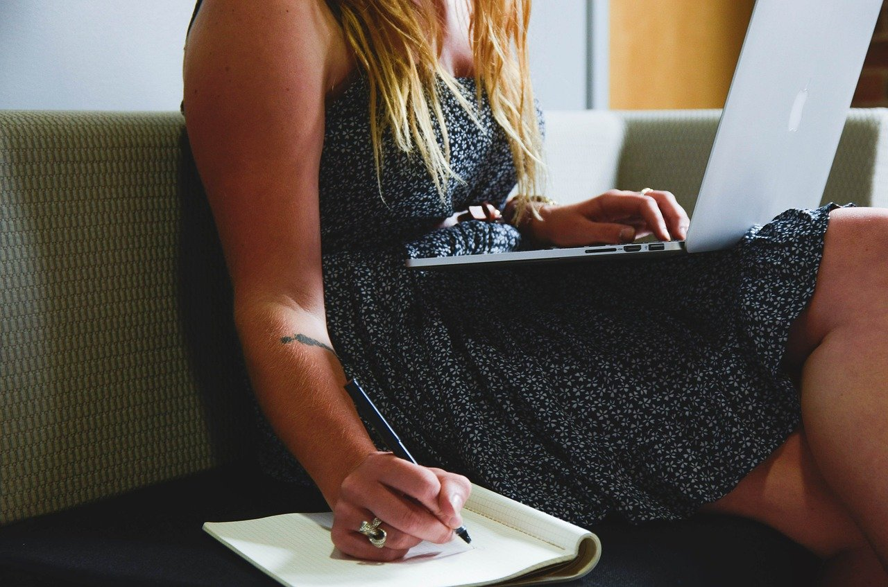 How to Improve English Writing Skills - 8 Best Websites