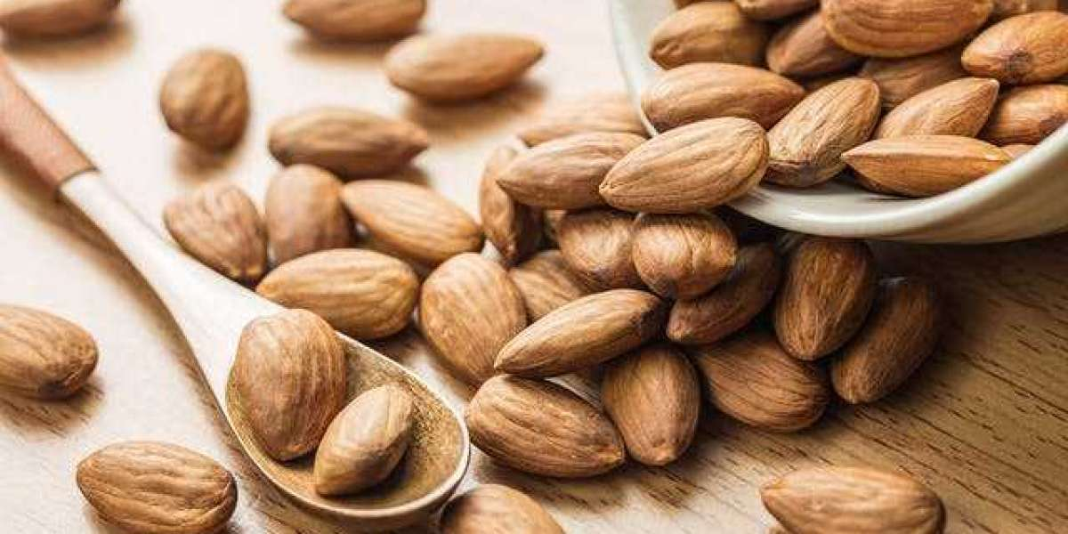 The Health Benefits of Almonds Every Woman Should Be Eating