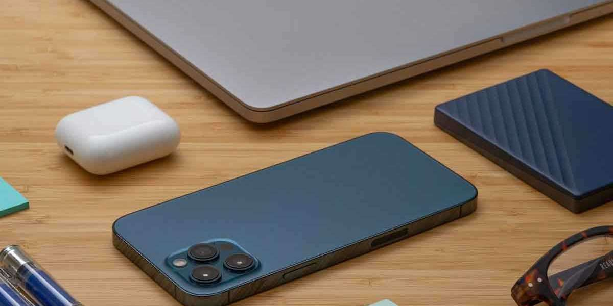 Essential accessories for your iPhone 12 reviews by ignitto