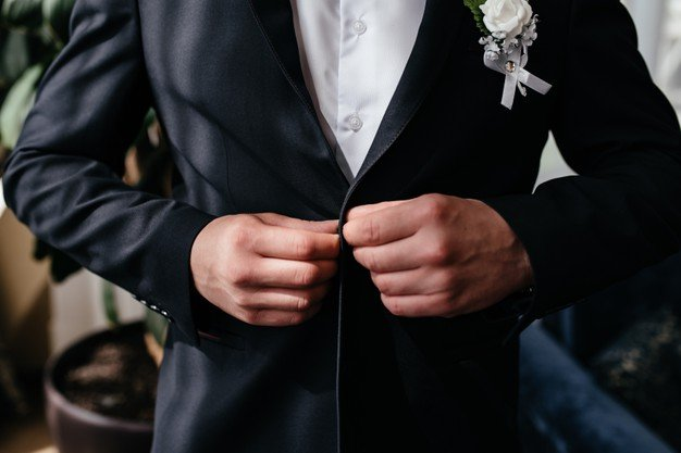 How Formal is Cocktail Attire and When Should You Wear It?