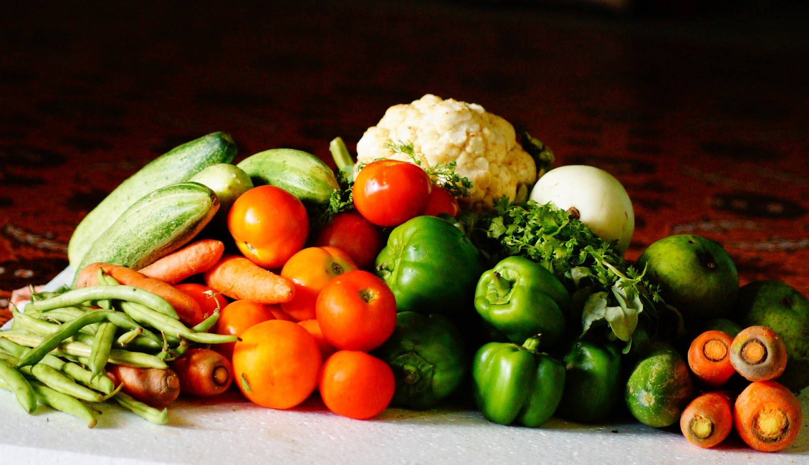 There Are More Benefits To Eating 6 Meals Raw